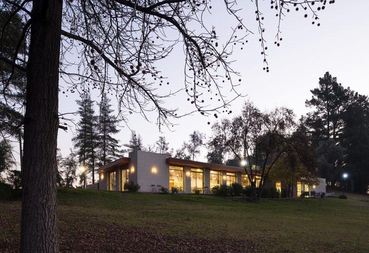 CLUB HOUSE, OFICINAS Y EQUIPAMIENTO – LAS VIZCACHAS, REGIÓN METROPOLITANA